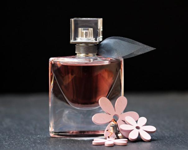 perfume-2142824_1920